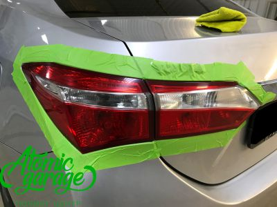 Toyota Corolla E180, установка линз Bi-led Optima Professional и Led ПТФ - фото 27