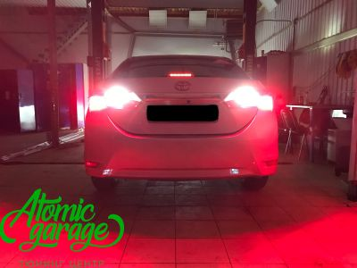 Toyota Corolla E180, установка линз Bi-led Optima Professional и Led ПТФ - фото 33