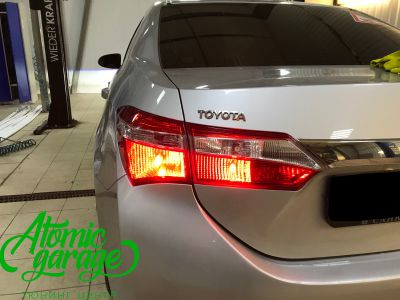 Toyota Corolla E180, установка линз Bi-led Optima Professional и Led ПТФ - фото 30
