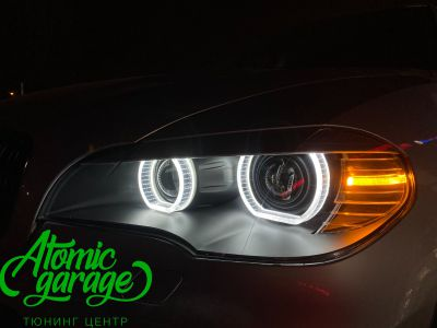 BMW X5 E70, замена линз на Bi-led Diliht Triled + кольца F-style - фото 22