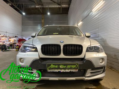 BMW X5 E70, замена линз на Bi-led Diliht Triled + кольца F-style - фото 10