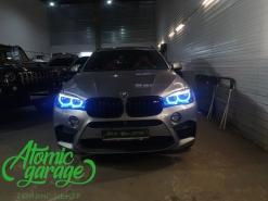 BMW X6M F86, многоцветные ангельские глазки + стробоскопы