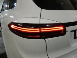Porsche Cayenne 958, тонирование всей оптики, реснички фонарей, доработка бампера