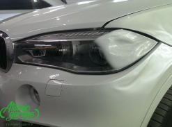 BMW X6 F16, замена левого стекла фары