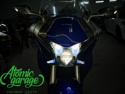 Мотоцикл Honda VFR1200, установка 3-х линзы Bi-led Optima