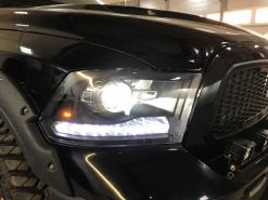 Dodge Ram 1500, замена линз Optima Pro + динамические поворотники