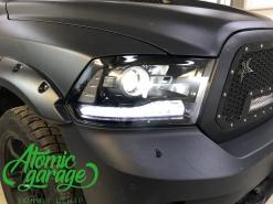 Dodge Ram 1500, замена линз Optima Pro + бегущие поворотники + Led ПТФ
